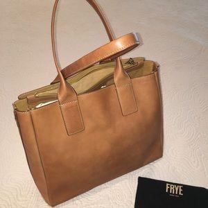 Fabulous Frye Iliana Carmel leather tote bag, NWT